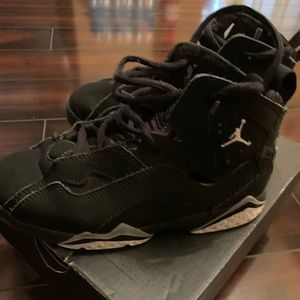 Size 13 boys Jordan true flight sneakers